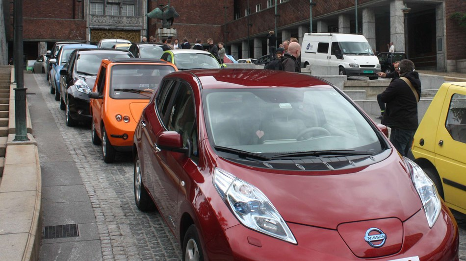 Electric Vehicles Moving Towards A Sustainable Mobility System