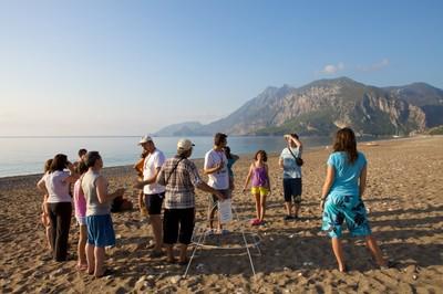 6am - Volunteers teach the tourist