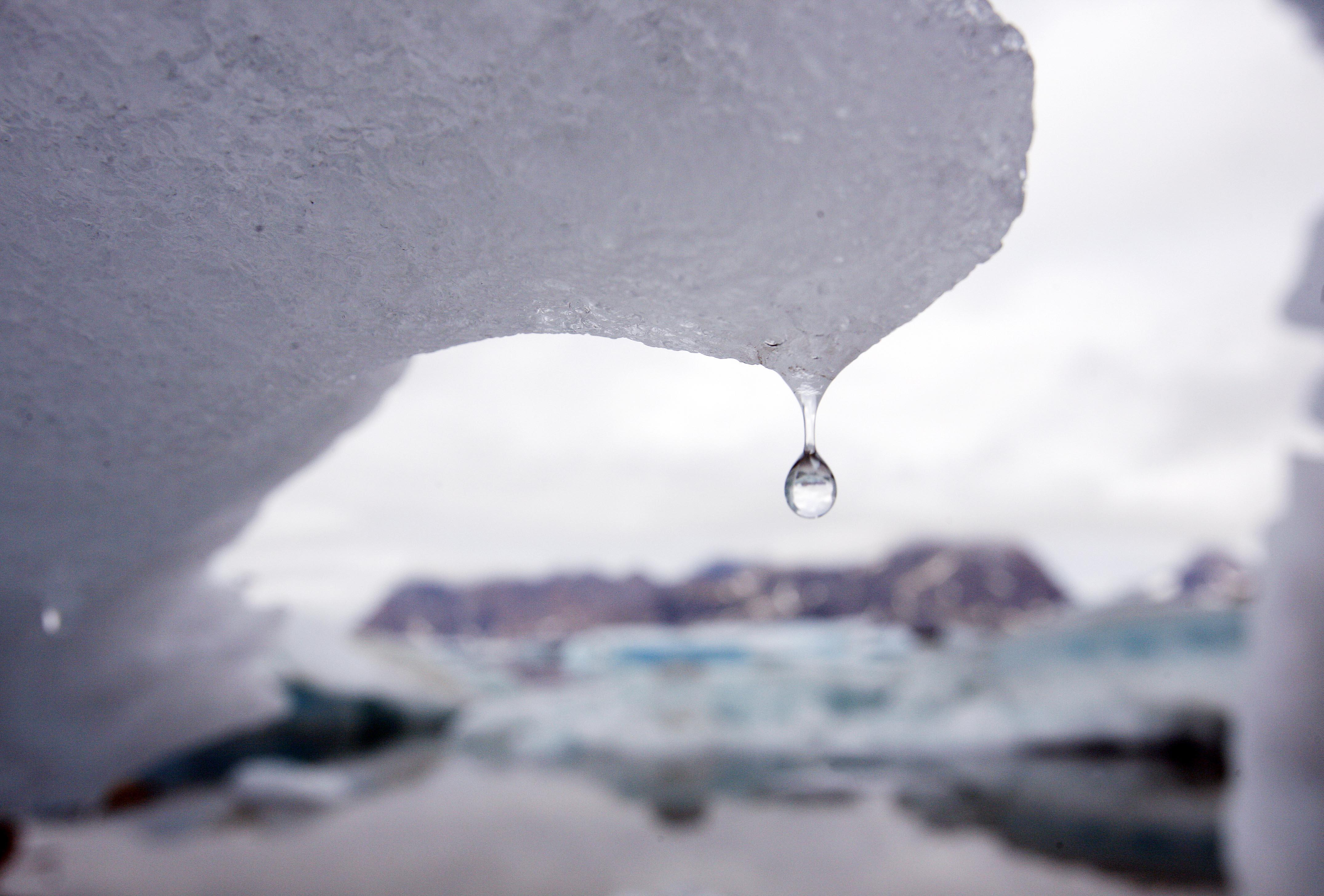Dryppende isbjerg