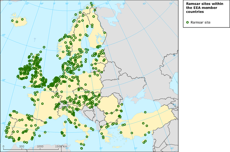 https://www.eea.europa.eu/data-and-maps/figures/map-of-distribution-of-ramsar-sites-within-the-eea-member-countries-open-circles-indicating-sites-designated-to-protect-threatened-species-green/ramsar_sites_graphic.eps/image_large