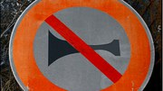 Cutting noise with quiet asphalt and traffic lane management