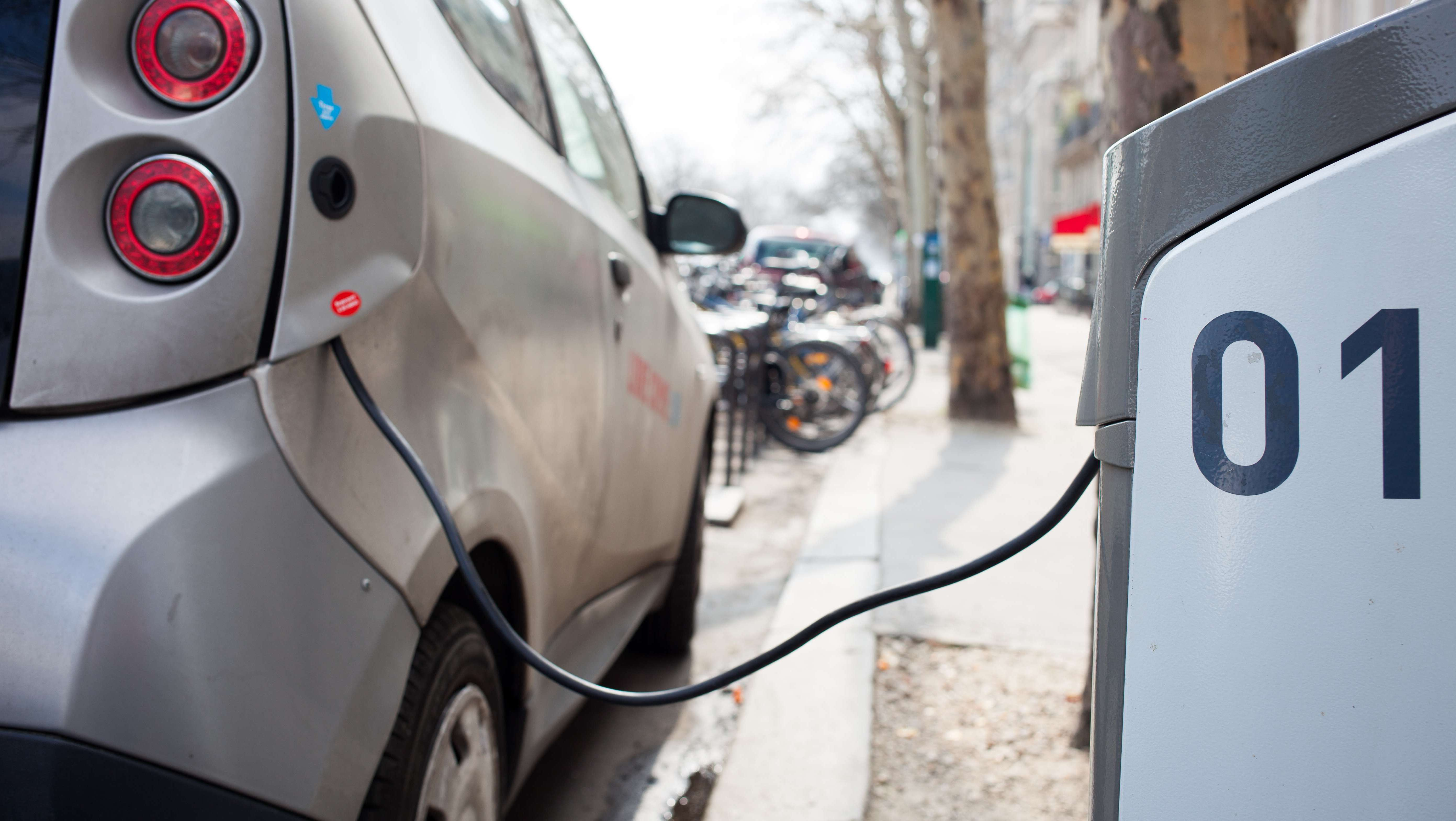eea report confirms electric cars are better for climate and air