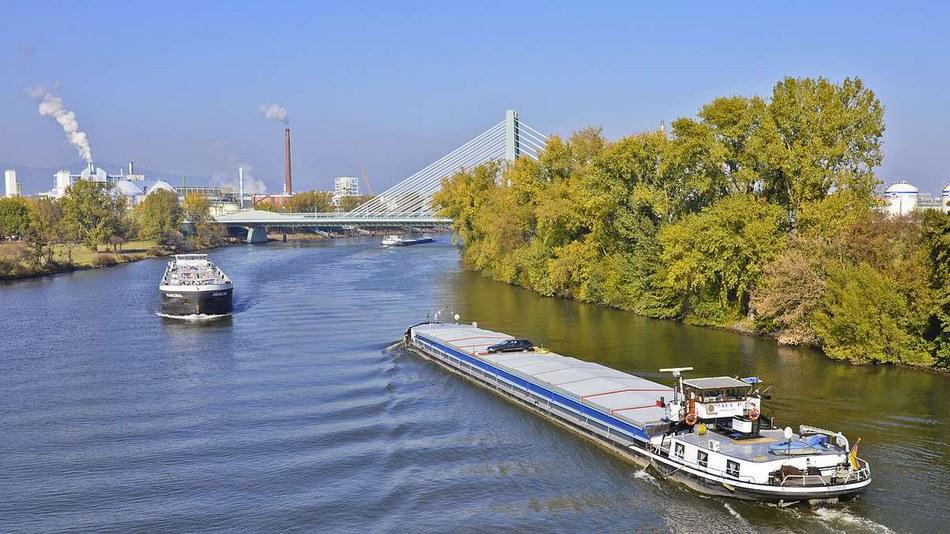 Industry park Höchst, river Main