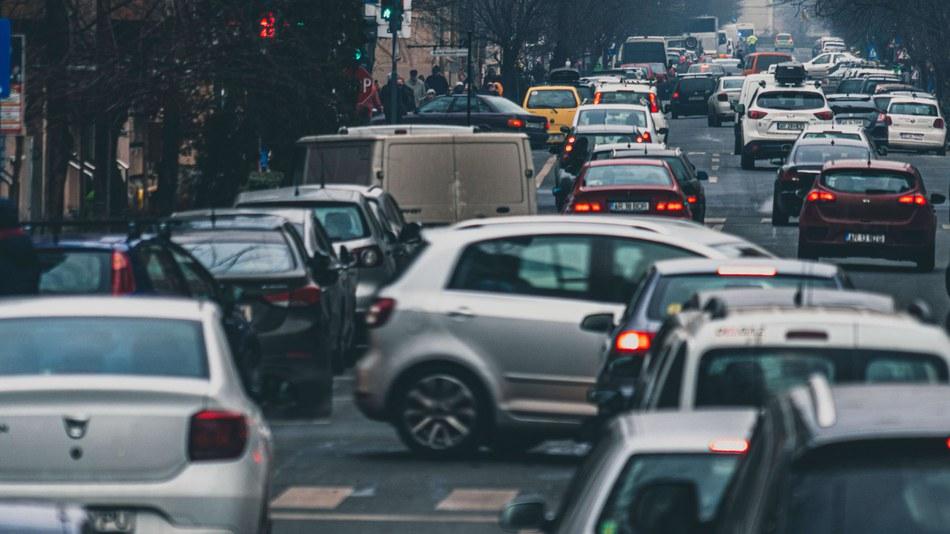 Still insufficient progress in making transport fuels more climate friendly, latest EEA data show