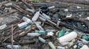 A prevenção é crucial para combater a crise dos resíduos de plástico