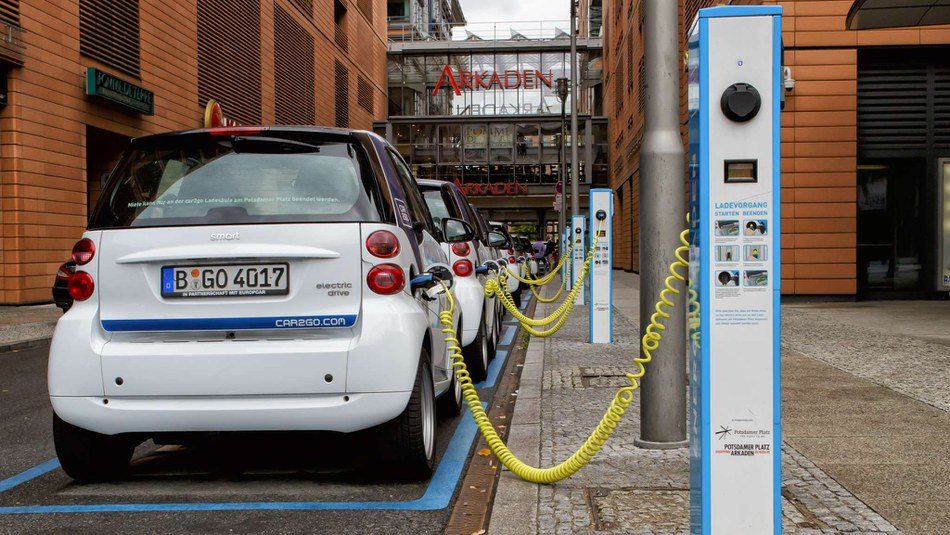 A quiet change is under way on European roads. The use of electric vehicles is projected to take off across Europe. It is a move that could help pave the way to a greener road transport system, but one that could pose challenges in meeting energy demand and investing in relevant infrastructure.